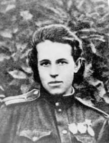 anna-in-uniform1