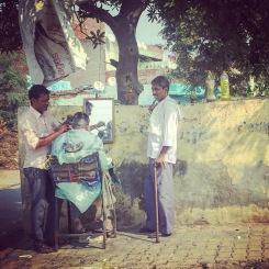 Delhi street barber