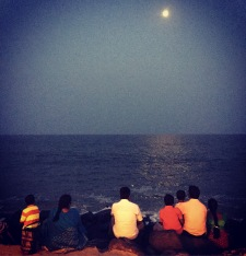 Pondi beach moonrise
